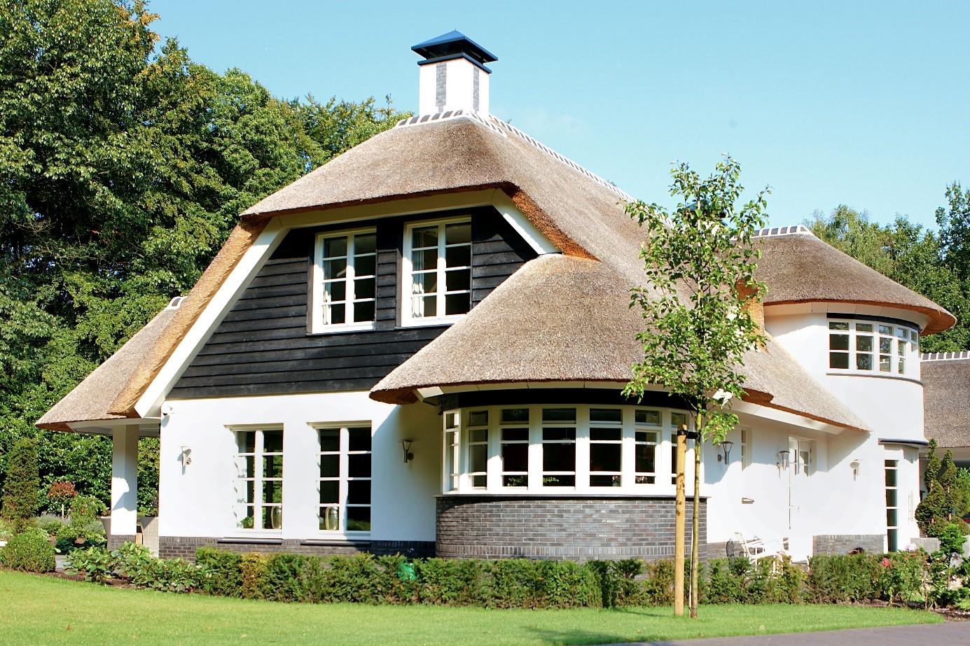 Levensduur rieten dak zorg dat uw dak langer meegaat